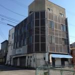 富山市で地上4階建てビルの解体とアスファルト駐車場の施工を致しました!