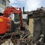 富山駅前にて木造とCB(コンクリートブロック)造の解体工事を行いました