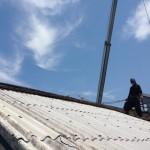 有資格者による石綿含有建材(スレート)屋根の撤去工事を施行致しました