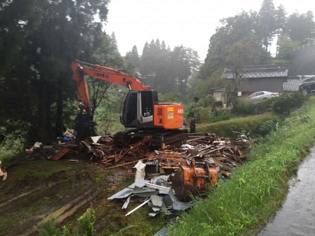山中での解体工事