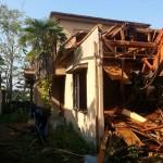 山室中学校横の木造解体